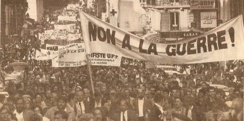 Manifestation pacifiste contre la Guerre du Golfe, Paris, 20 octobre 1990.