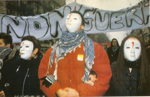 Manifestation pacifiste contre la guerre du Golfe, Paris, 1991.