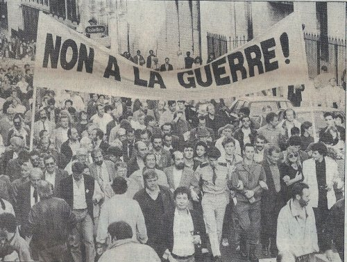 Manifestation pacifiste à Paris contre la Guerre du Golfe, 20 octobre 1990.